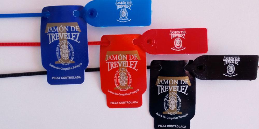 Etiquetas de Jamones Vallejo para la denominación de origen de sus jamones de Trevélez